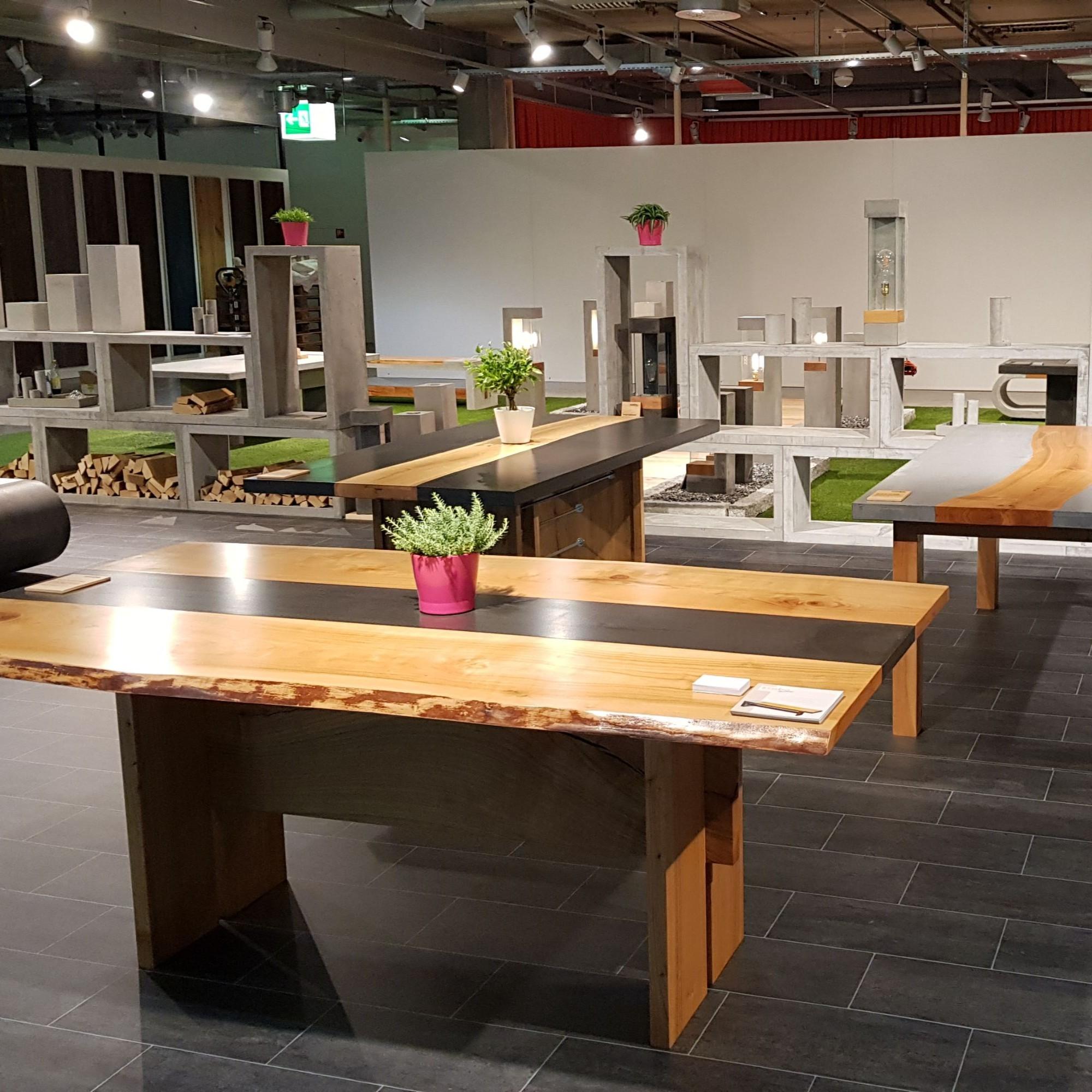 Tische in Kombination Beton und Holz