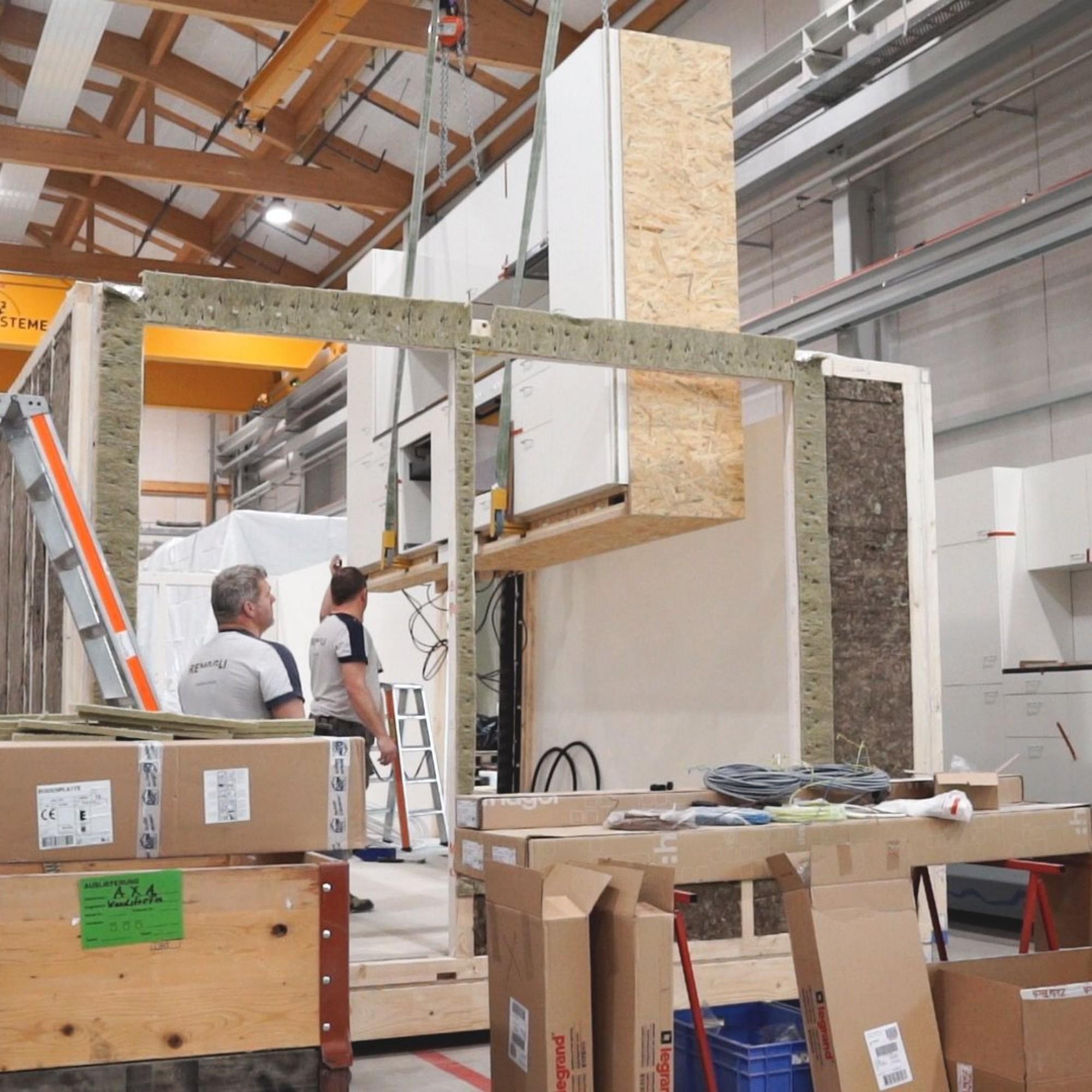Das Projekt basiert auf einem neuartigen Hochleistungs-Hybridbausystem: die Wohnungen werden als Raummodule von der Renggli AG vollständig vorgefertigt.