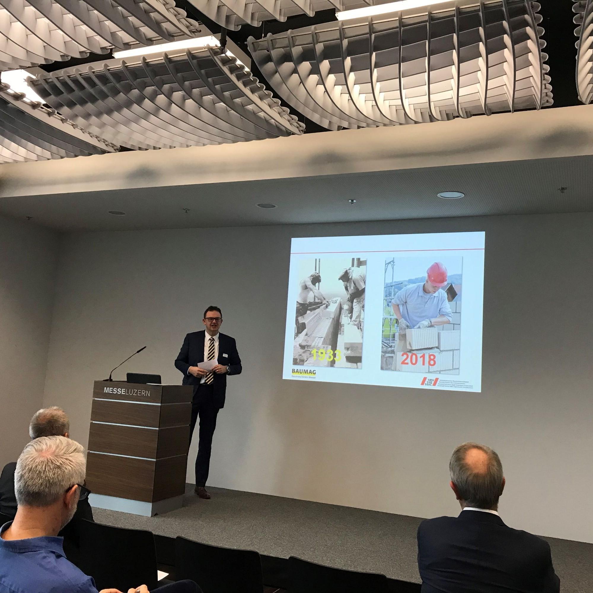 Zur Eröffnung der Messe erläuterte Benedikt Koch, Direktor des SBV,in seinem Referat das gestartete Konzept «Baumeister 5.0»