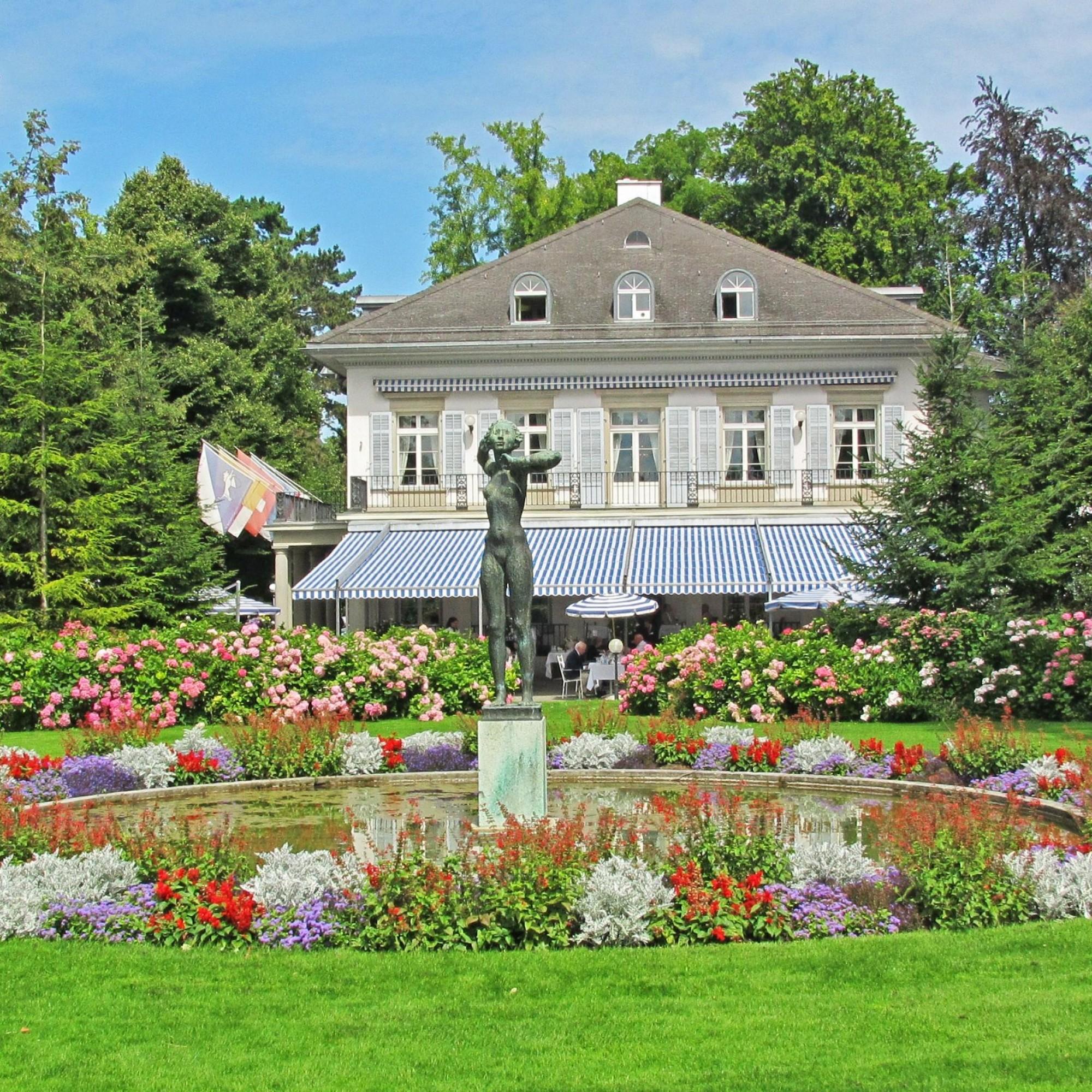Die Villa im Belvoirpark erbte Alfred Escher von seinem Vater. Sie war im 19. Jahrhundert nicht nur Eschers Wohnsitz, sondern auch die heimliche Machtzentrale der Schweiz. Heute sind ein Restaurant und die Hotelfachschule darin untergebracht.
