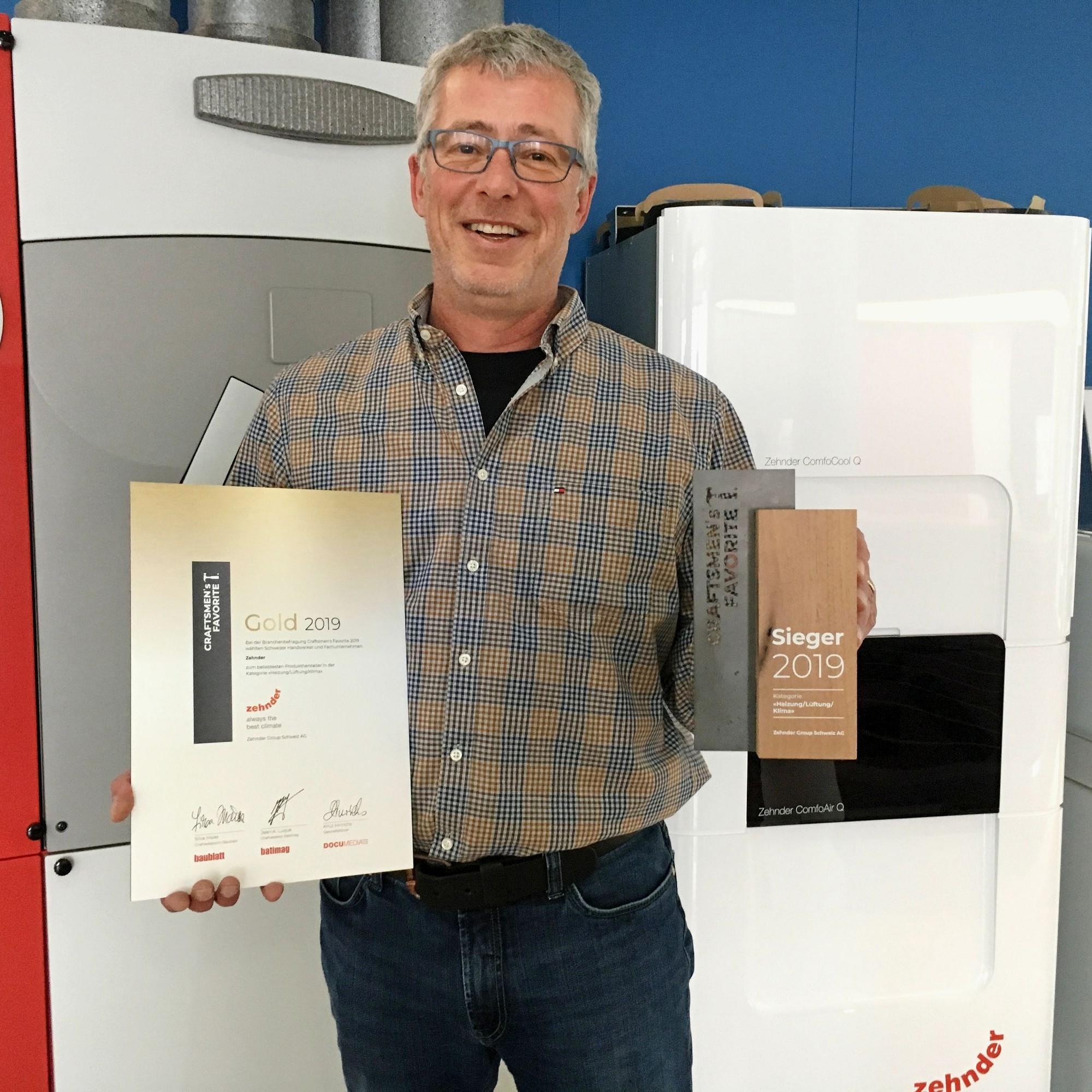 Dominik Hof, Leiter Marketingkommunikation, durfte für Zehnder den Award entgegennehmen.