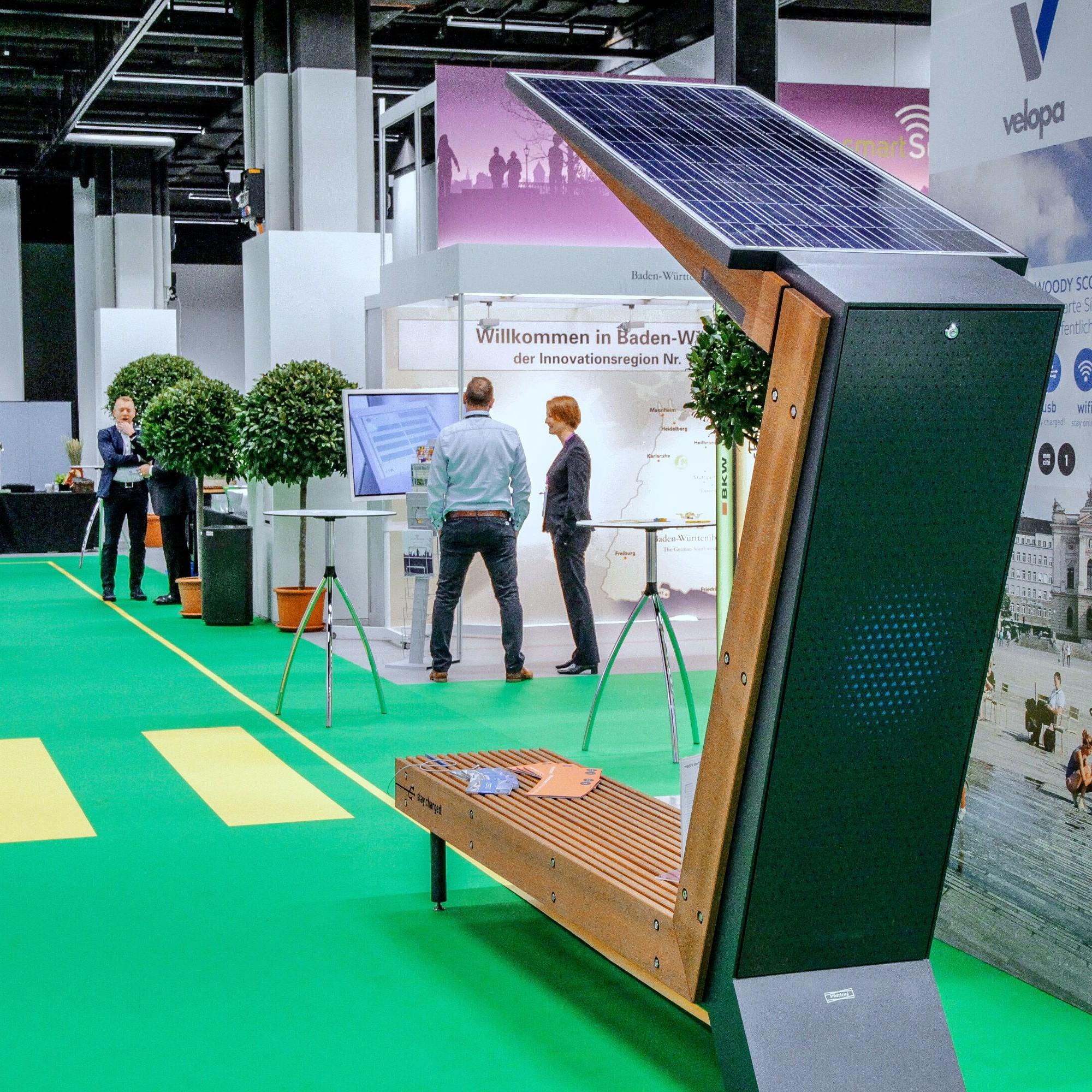 Smart Suisse: Sitzbank mit Solarpanel von Velopa