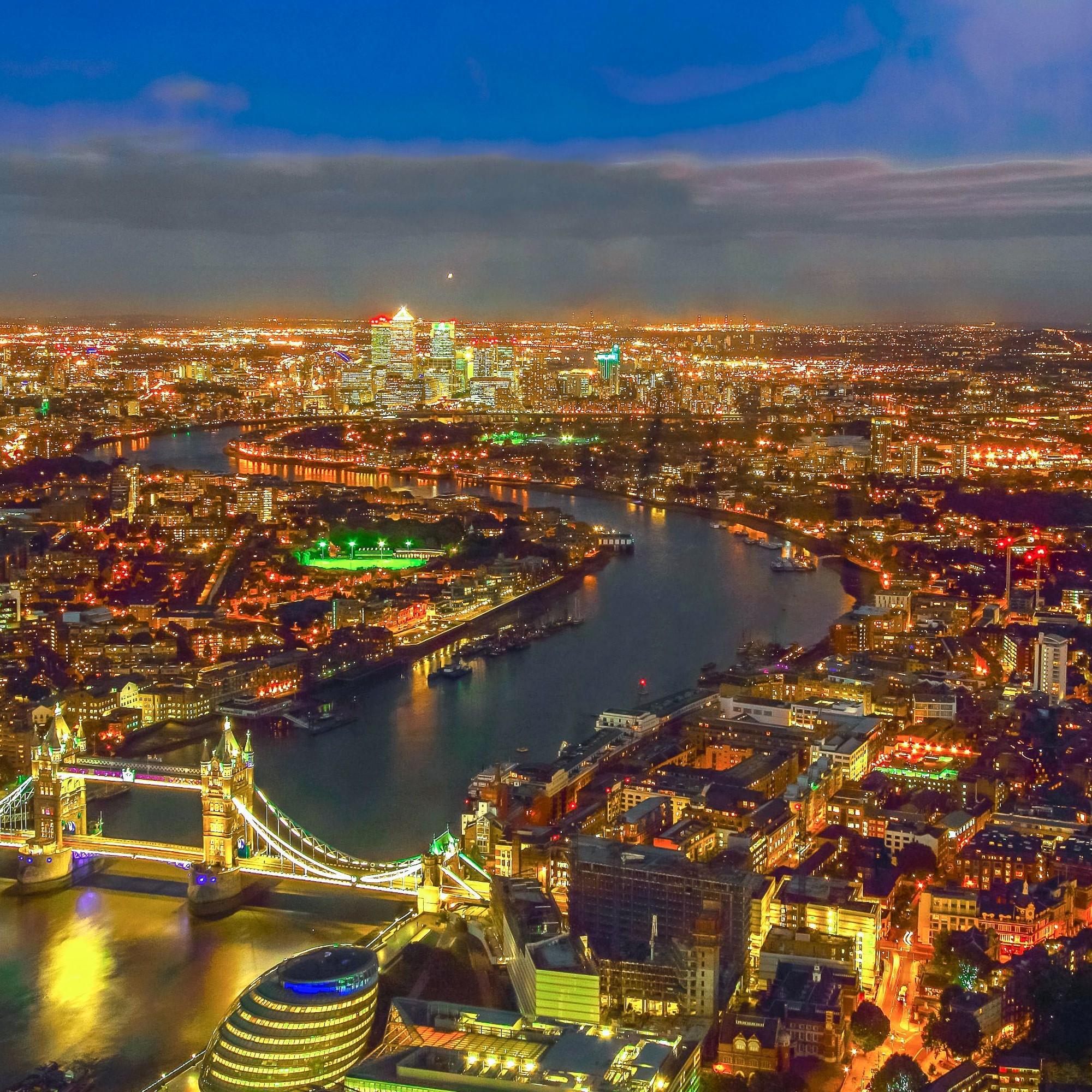 London bei Nacht: In vielen Metropolen kaufen anonyme Grossinvestoren zahlreiche Immobilien auf – als materielle Gegenwerte für Finanztransaktionen.