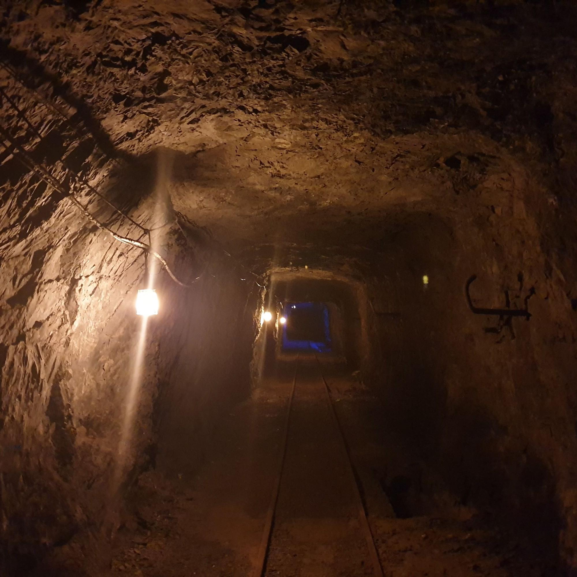 Im Untergrund hat es zwar genug Lichtquellen, dunkleunheimliche Stollen gibt es aber trotzdem.