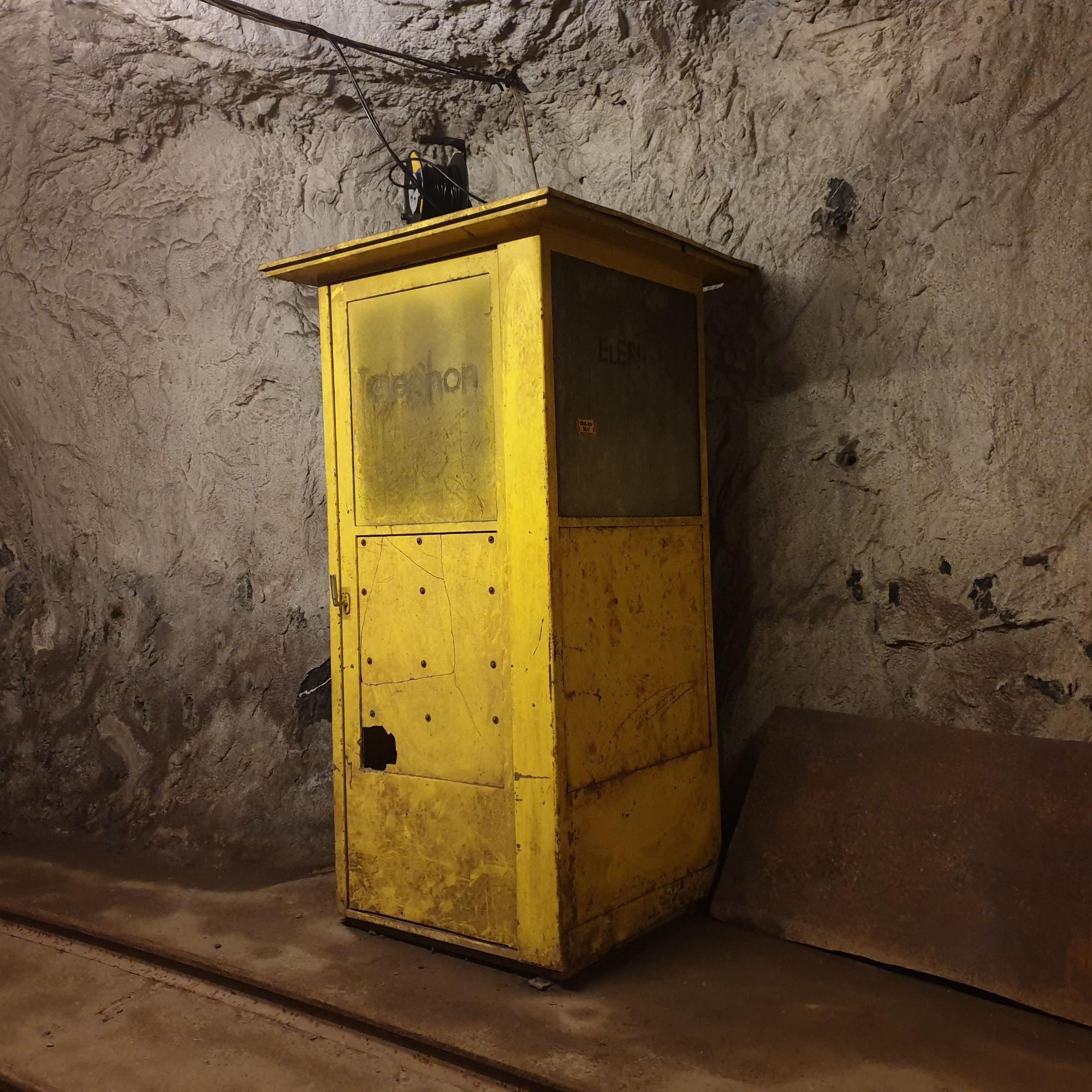Eine Telefonzelle, die früher bei Notfällen genutzt wurde.