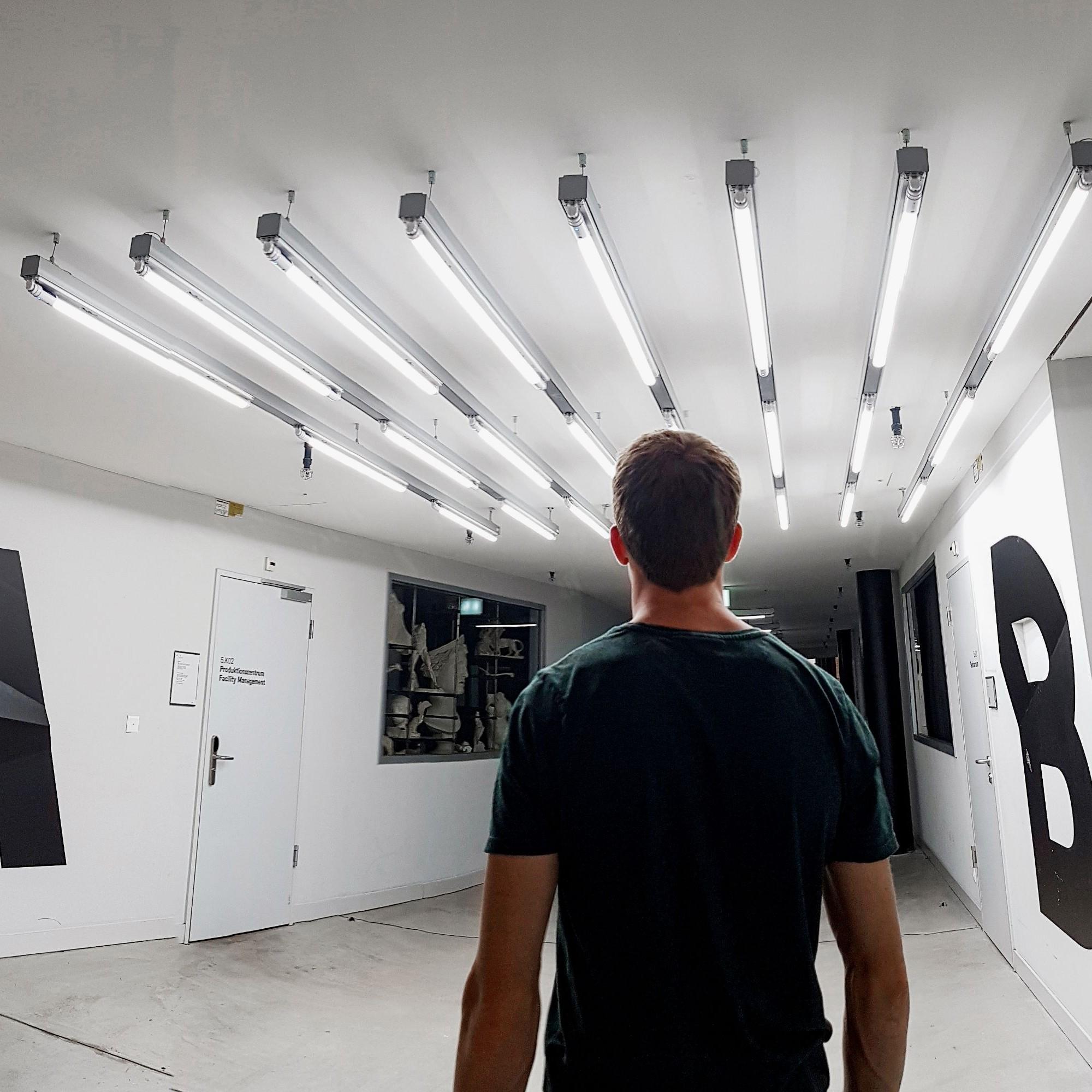 Die Zürcher Hochschule der Künsteauf dem Toni-Areal in Zürich verwendetLED-Röhren der LED City AG in Korridorenund Treppenhäusern.