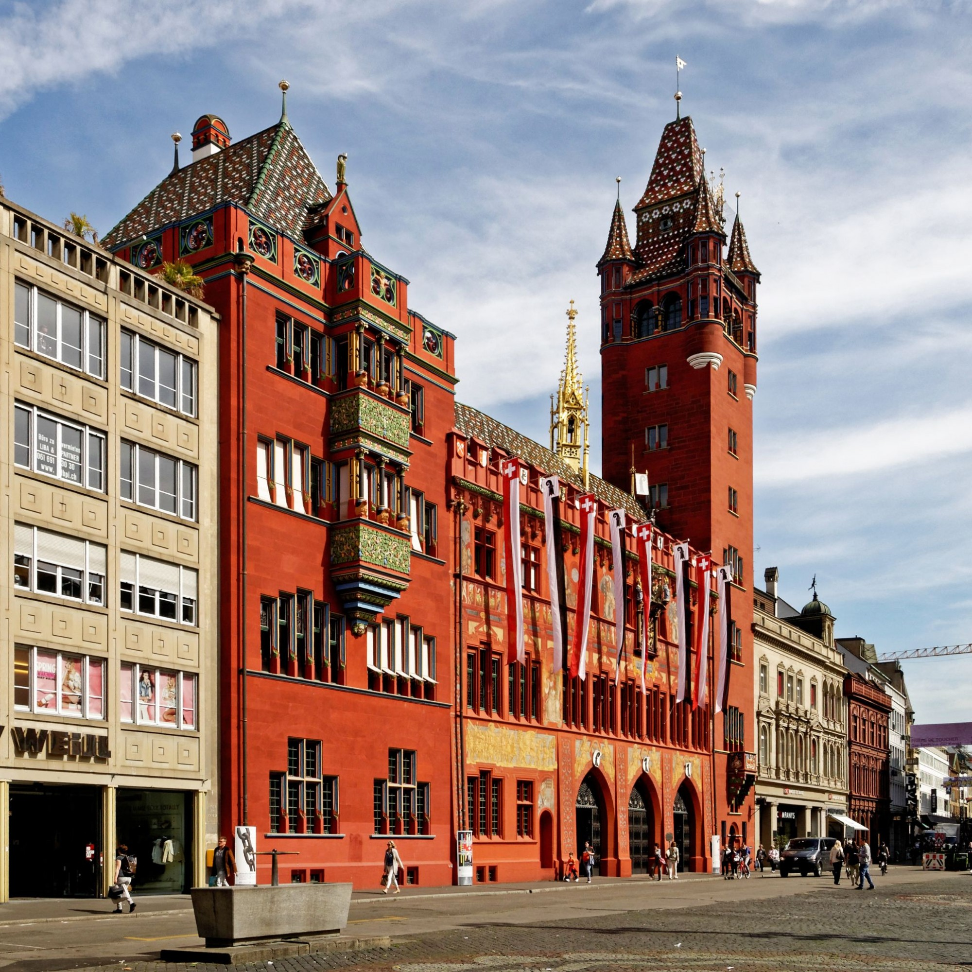 Die Sanierung der Pflästerung auf dem Basler Marktplatz dauert bis Mitte November.