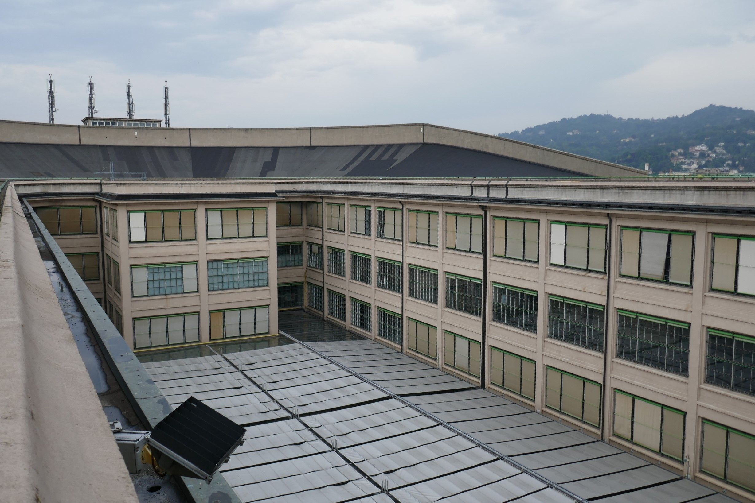 Auf dem Dach des «Lingotto», direkt über den Fertigungshallen, wurden die hergestellten Fahrzeuge Stück für Stück bei Höchstgeschwindigkeit getestet.