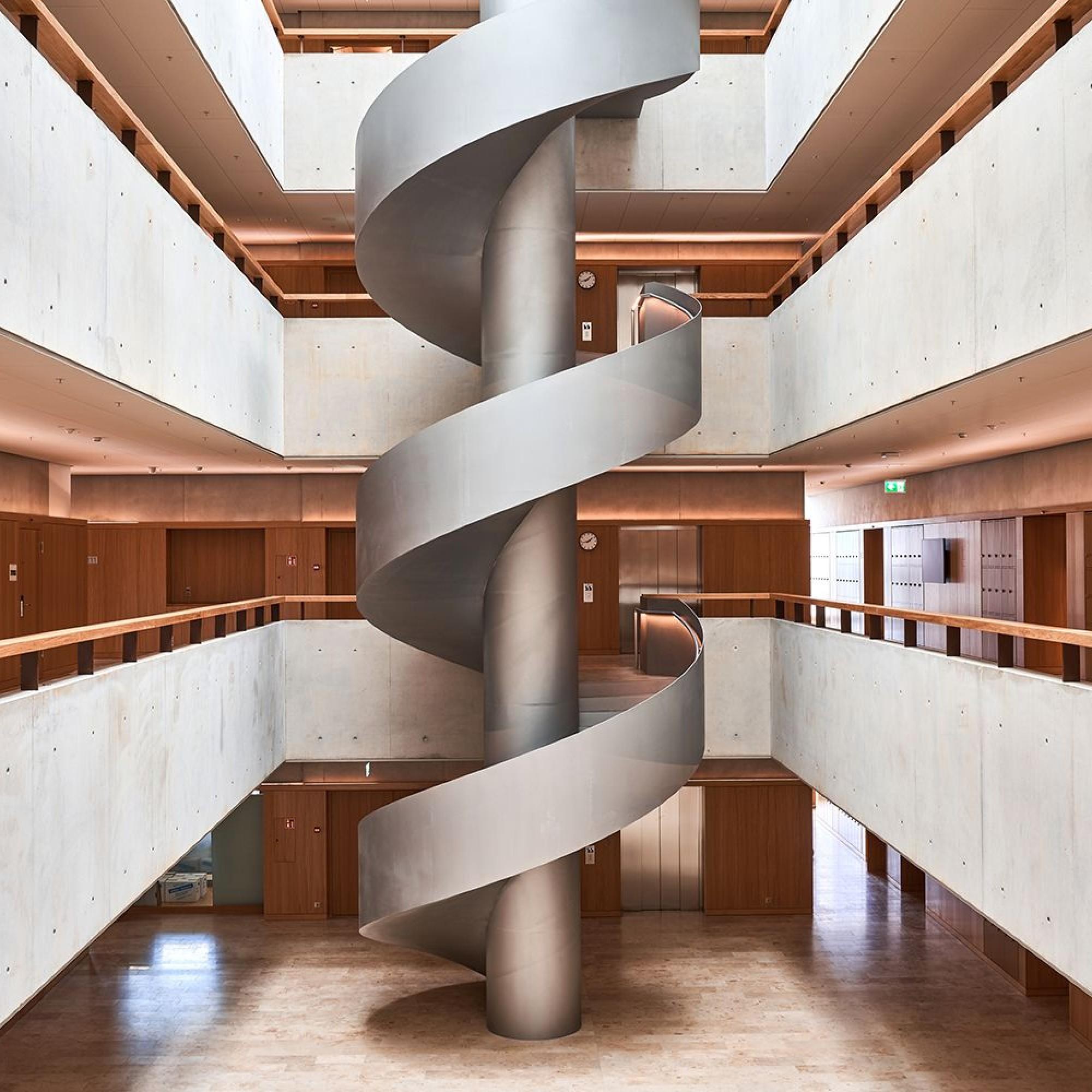 Hochschule Luzern bezieht höchstes Holzhochhaus der Schweiz in ...