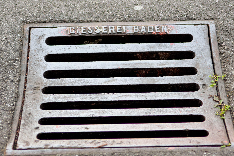Dieser Deckel stammt von der Giesserei Baden, mittlerweile gibt es sie nicht mehr.