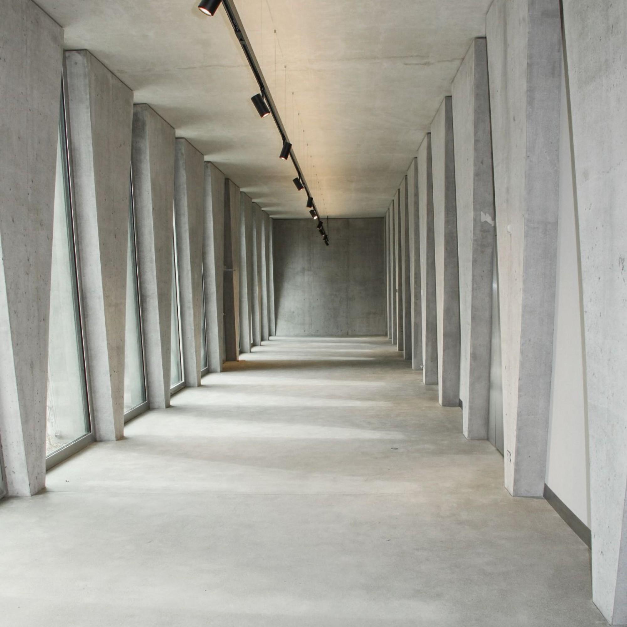 Dämmbeton beim neuen Tanzhaus in der Stadt Zürich: Bei diesem Zweckbau im Minergie-EcoStandard dient die Aussenwand aus Leichtbeton mit dem Zusatzstoff Blähton als Wärmedämmung.
