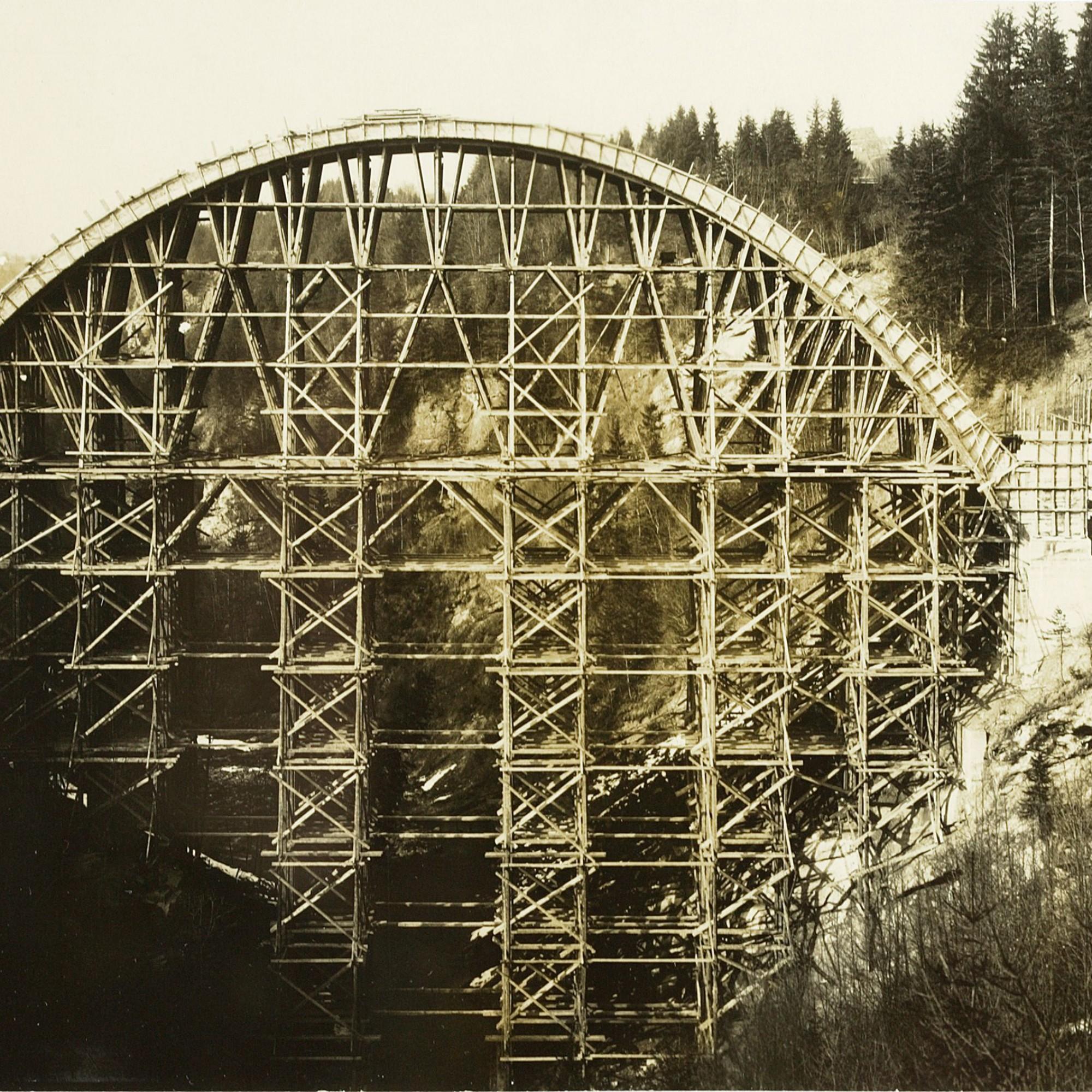 Lehrgerüst der Gmündertobelbrücke.