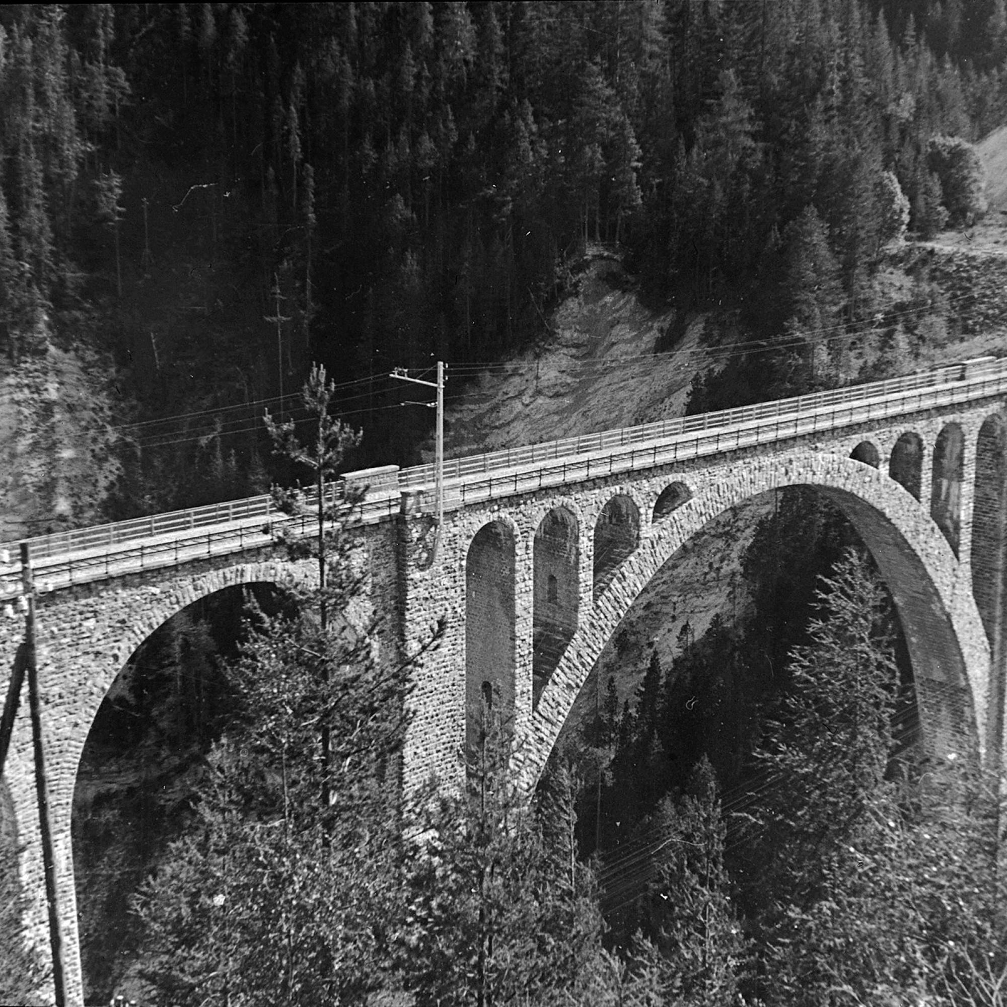 Historische Aufnahme des Wiesener Viadukts.