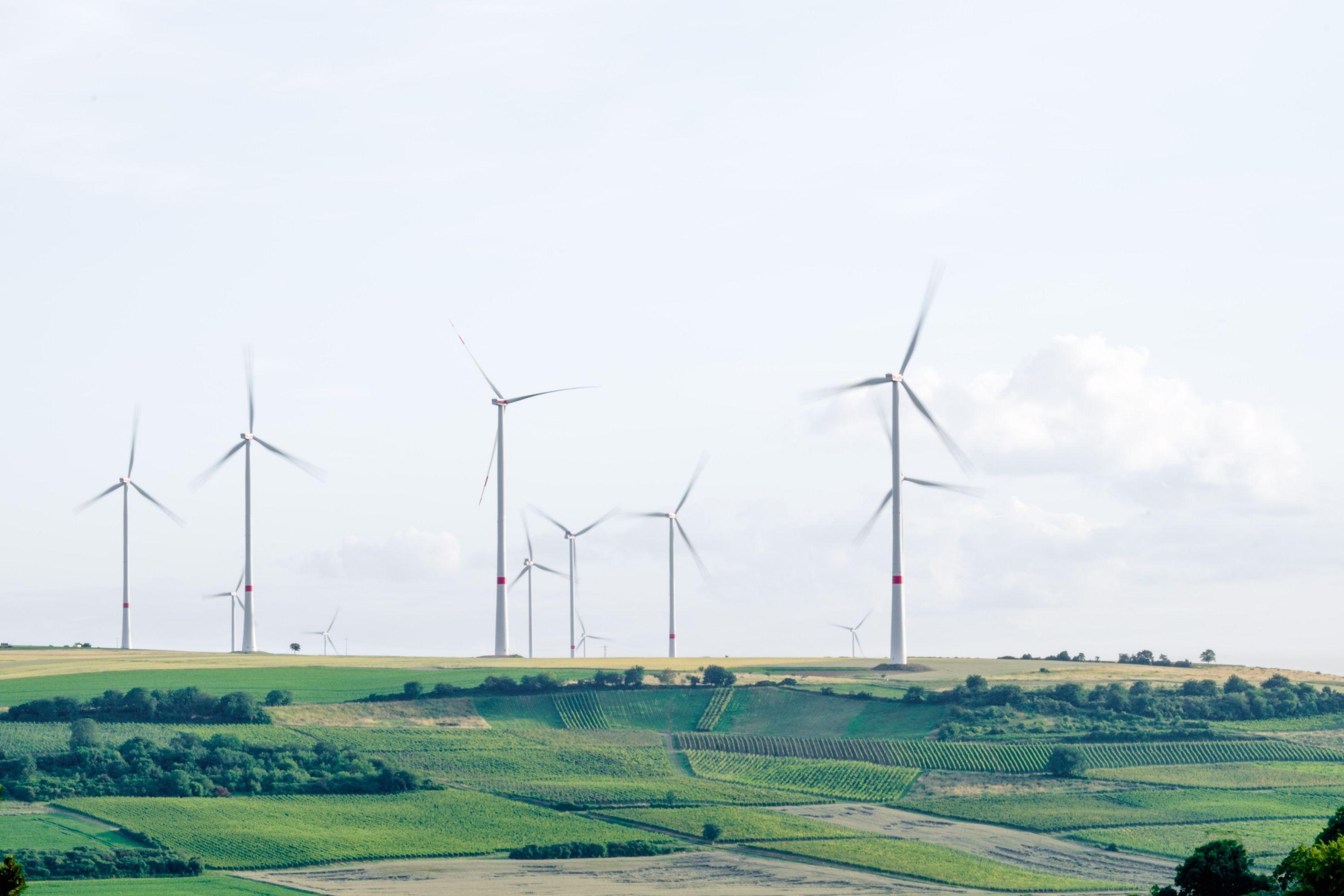 Windturbinen in Mölsheim, Deutschland.