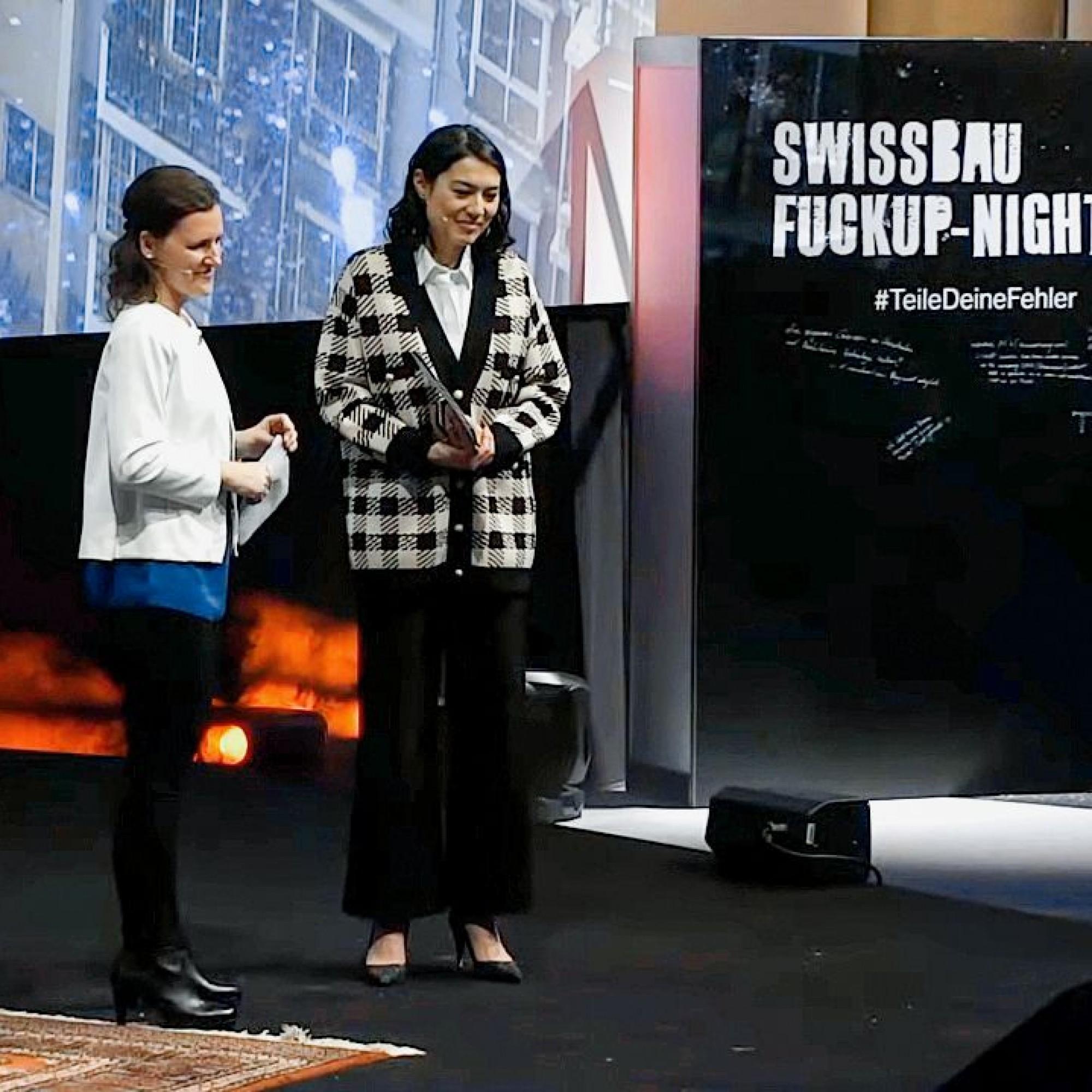 Antje Kunze (links) entwickelte mit ihrem Start-up eine smarte Software für Stadtplaner, doch sie musste Insolvenz anmelden. Rechts Moderatorin Tanya König.