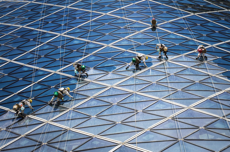Fensterputzer Capital Gate Abu Dhabi