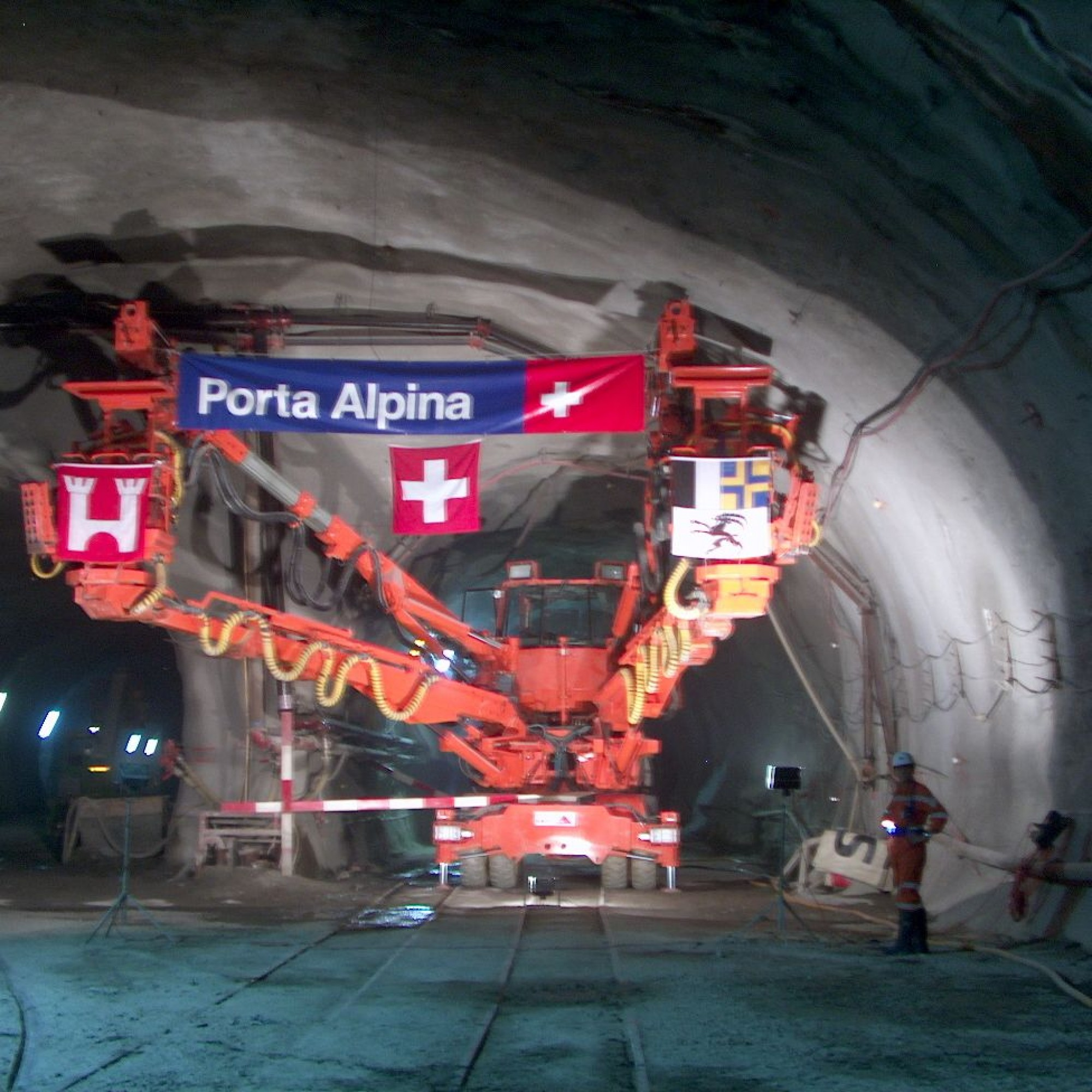 Anschlagsfeier Porta Alpina