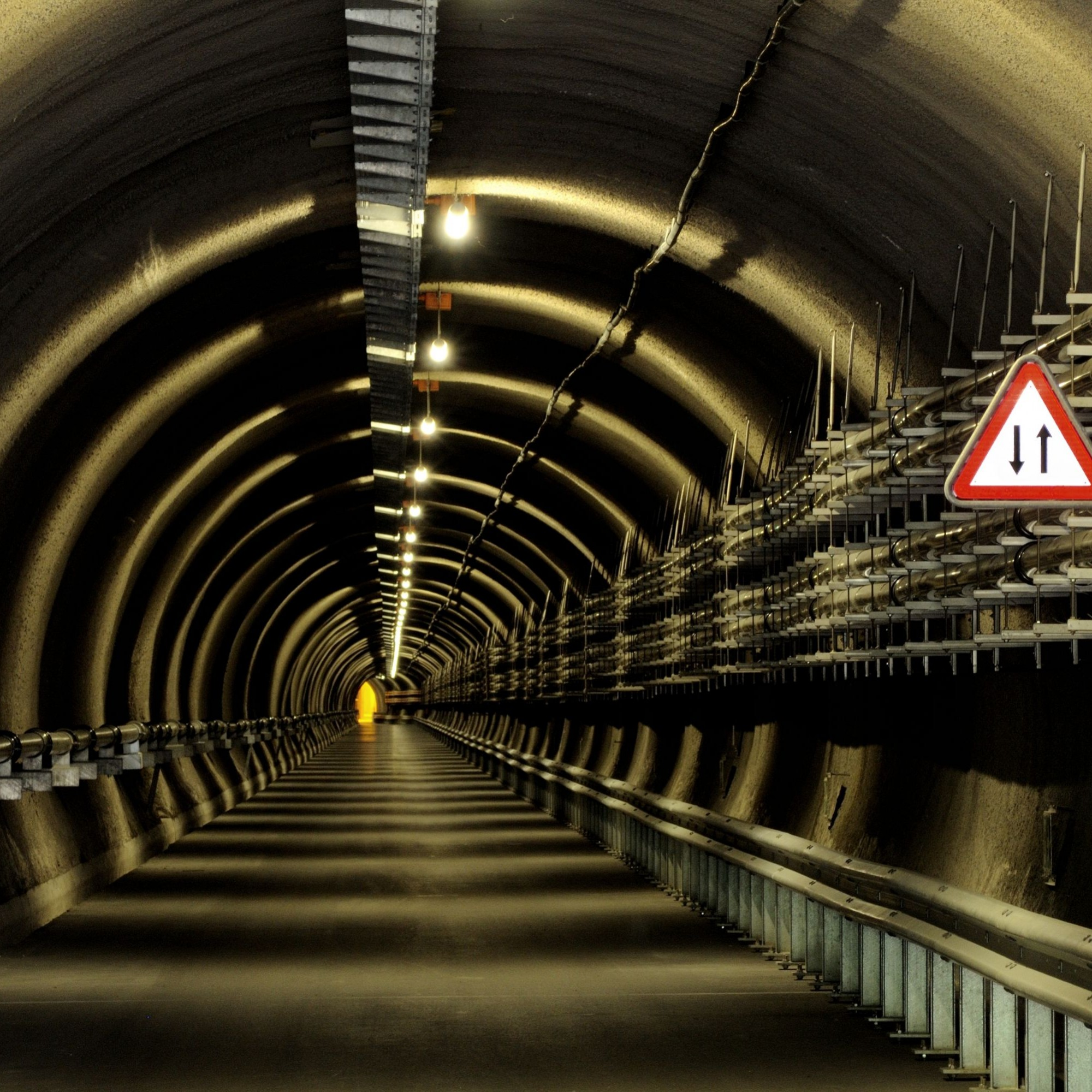 Zugangstunnel zu Schächten der Multifunktionsstation Sedrun