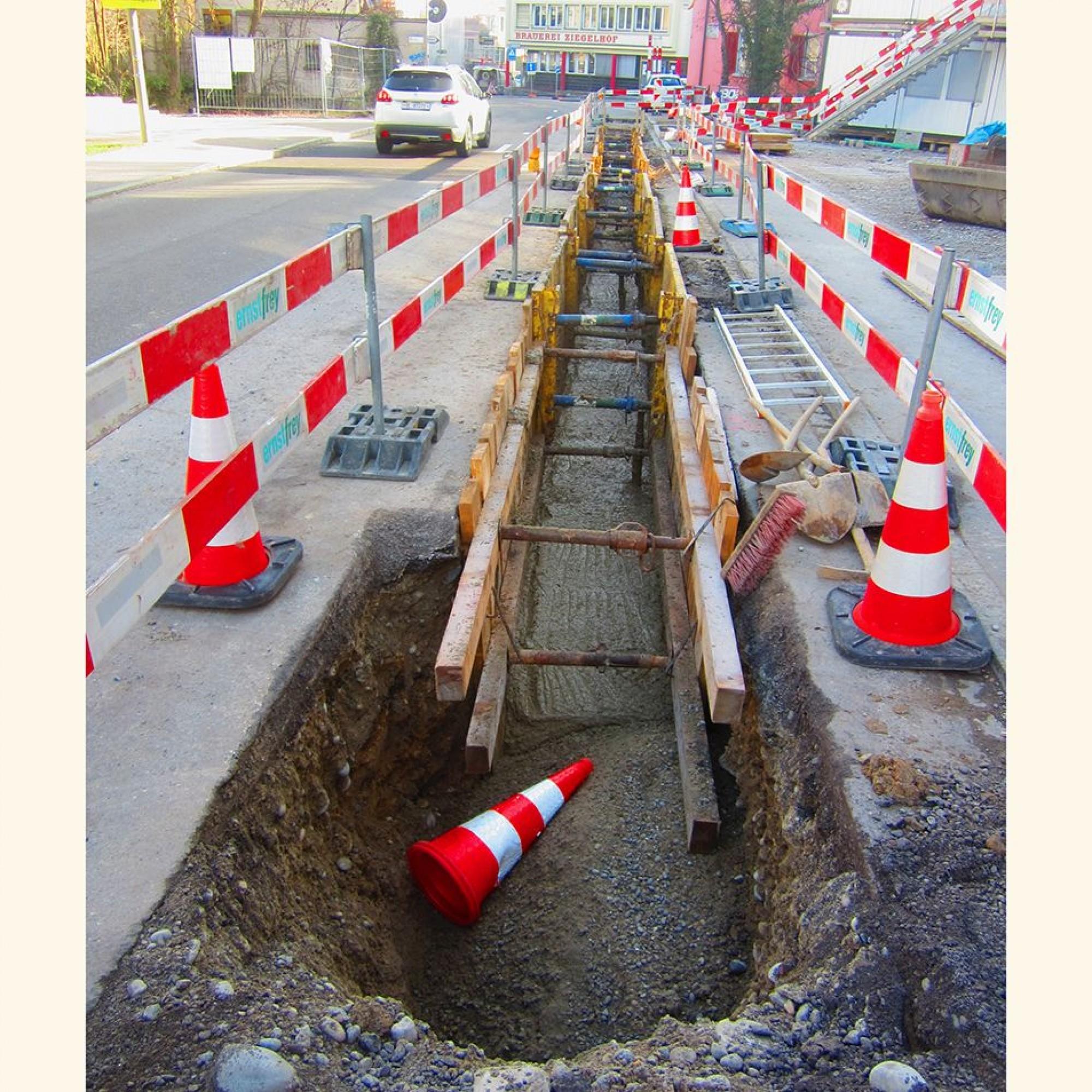 Verschiedene Anwendungen für Flüssigboden auf Schweizer Bautellen.