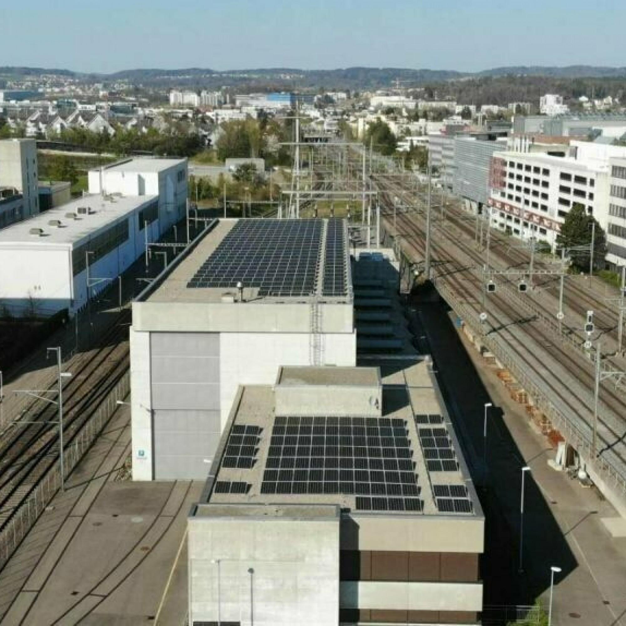 Photovoltaik-Anlage auf Frequenzumformer in Zürich-Seebach