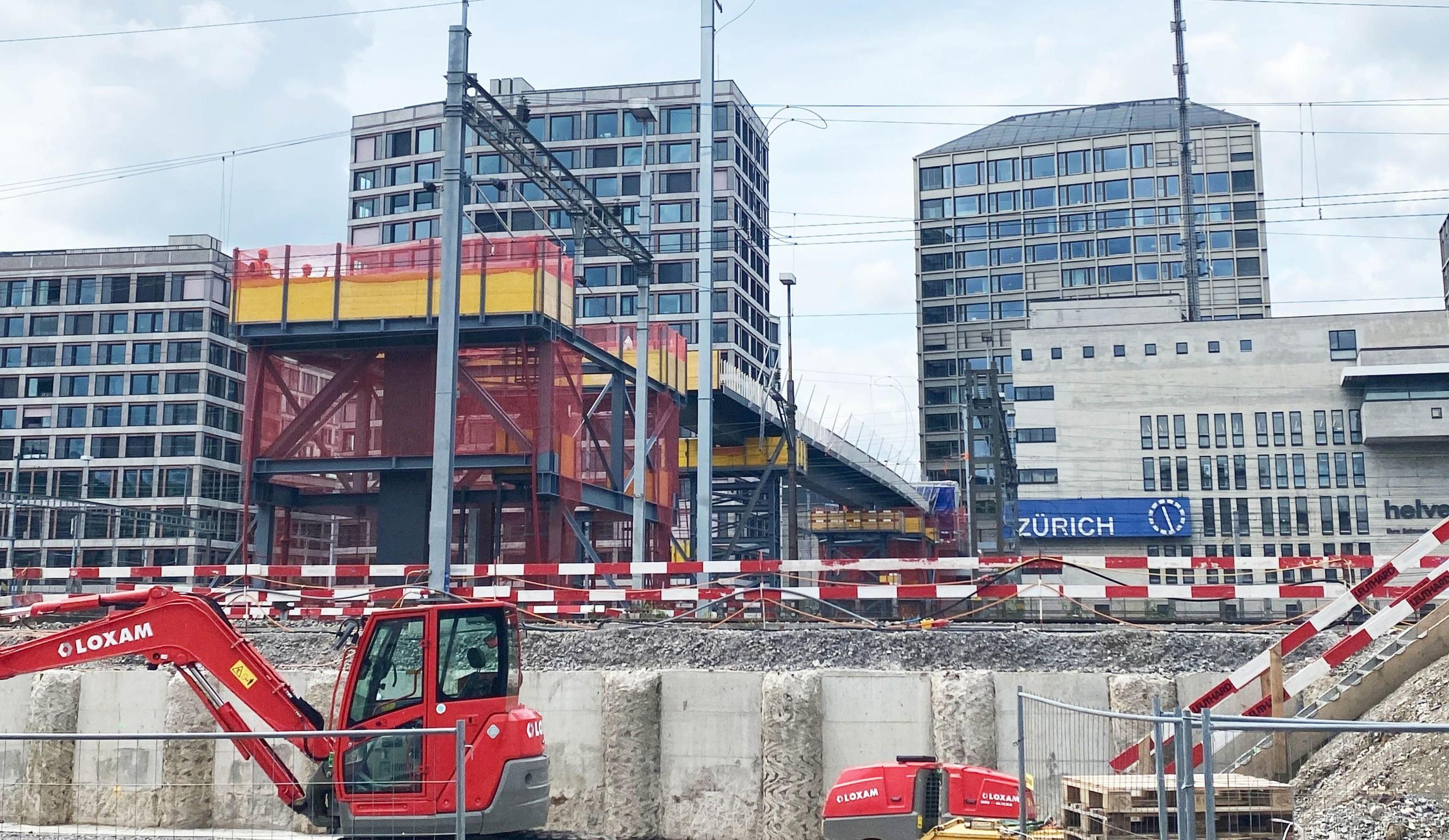 Bau des Negrellistegs beim HB Zürich