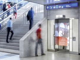 Schindler-Aufzug am HB Zürich