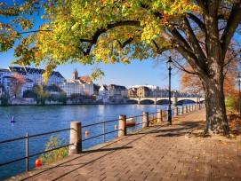 Blick auf den Rhein in Basel-Stadt
