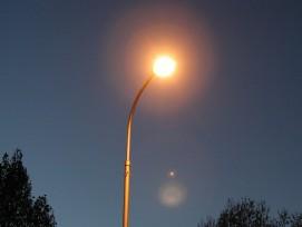 Strassenlaterne bei Nacht
