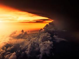 Wolken bei Sonnenaufgang