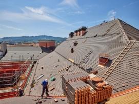 Dach Volkshaus Zürich eingedeckt