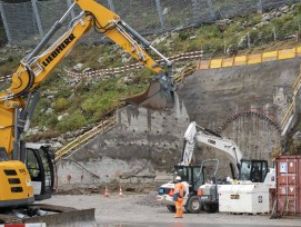 Spatenstich zum Bau der zweiten Gotthard-Röhre Tunnelportal