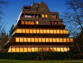 Ferrohaus Pyramide am See in Zürich