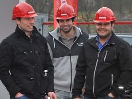 Der spätere Gesamtsieger Dario Häberli (rechts) kurz vor dem Start. (Bild: Manuela Talenta)