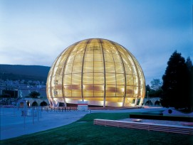 Palais de l'Equilibre, Neuenburg, Temporärbau zur Schweizer Landesausstellung Expo.02 vom Mai bis Oktober 2002; Wiederaufbau 2004 im Cern in Genf.