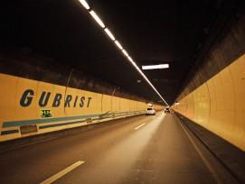 Gubristtunnel auf der A1 in Zürich Nord.