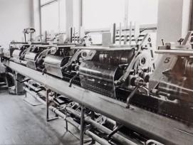 Auch der Sammelhefter war ein wichtiger Teil in der Druckerei.