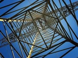 Strommast von unten.