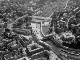 Eine Luftaufnahme des Neubaus vom Berner Bahnhof 1967.