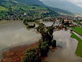 Hochwasser beim Sarnersee, Obwalden, Sommer 2005