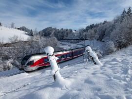Flirt auf der SOB-Strecke bei Einsiedeln im Kanton Schwyz.