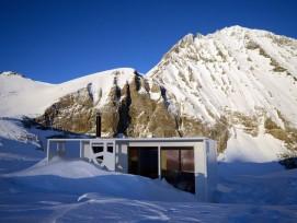 Der Spa-Bungalow auf dem Lötschenpass auf 2690 Meter über Meer.