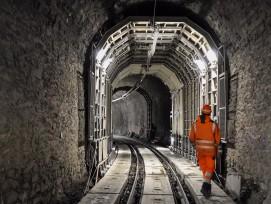 RhB Tunnel Glatscheras im Mai 2016.