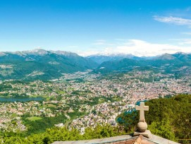 Blick vom San Salvatore auf Lugano.