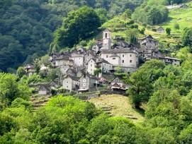 Corippo, die kleinste Gemeinde der Schweiz, wird zum Hotel. Das Dorf hat weniger als 20 Einwohner.
