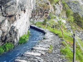 Die Wanderrouten entlang der Suonen wie hier jene von Ayent bieten verschiedene Schwierigkeitsgrade.