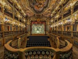 Bayreuth, Markgräfliches Opernhaus,Innenansicht nach der Restaurierung.Gesamtansicht des Zuschauerraums, Blickin Richtung Bühne von der Fürstenloge aus.