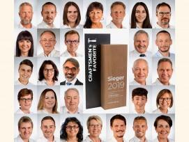 Ein Erfolg der ganzen Belegschaft: Hinter dem begehrten «Craftsmen's Favorite»-Award in der Kategorie «Bodenbeläge» stehen alle Mitarbeiterinnen und Mitarbeiter der Naturo Kork AG.