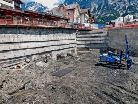 Die Bauarbeiten für das Einkaufszentrum «Eiger+» in Grindelwald wurden mit einem Inklinometer geodätisch überwacht.
