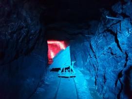 Die Stollen werden im Rahmen der Spezialführungen «BergLICHTwerk» mit Licht und Ton in Szene gesetzt.
