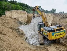 Archivbild 2018: Eberhard auf der Baustelle zum Rückbau des Migrol-Tanklagers bei Tössriederen.